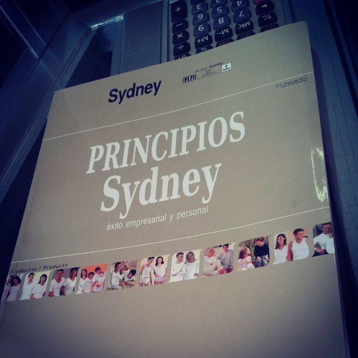 La Empresa Sydney - Ropa de Algodon me regalaron este precioso Libro sobre sus Principios Igersperu book me