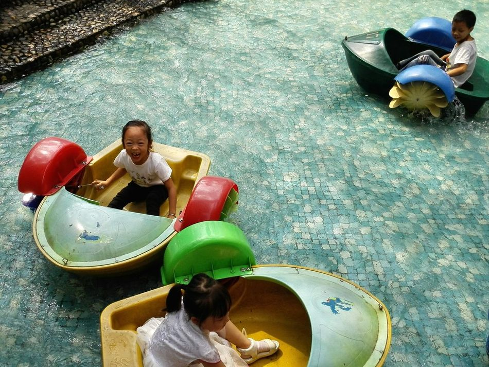 Hangzhou China Children Children Playing Patterns & Textures Chase Circling Paddle Boats Parklife Colorful Life
