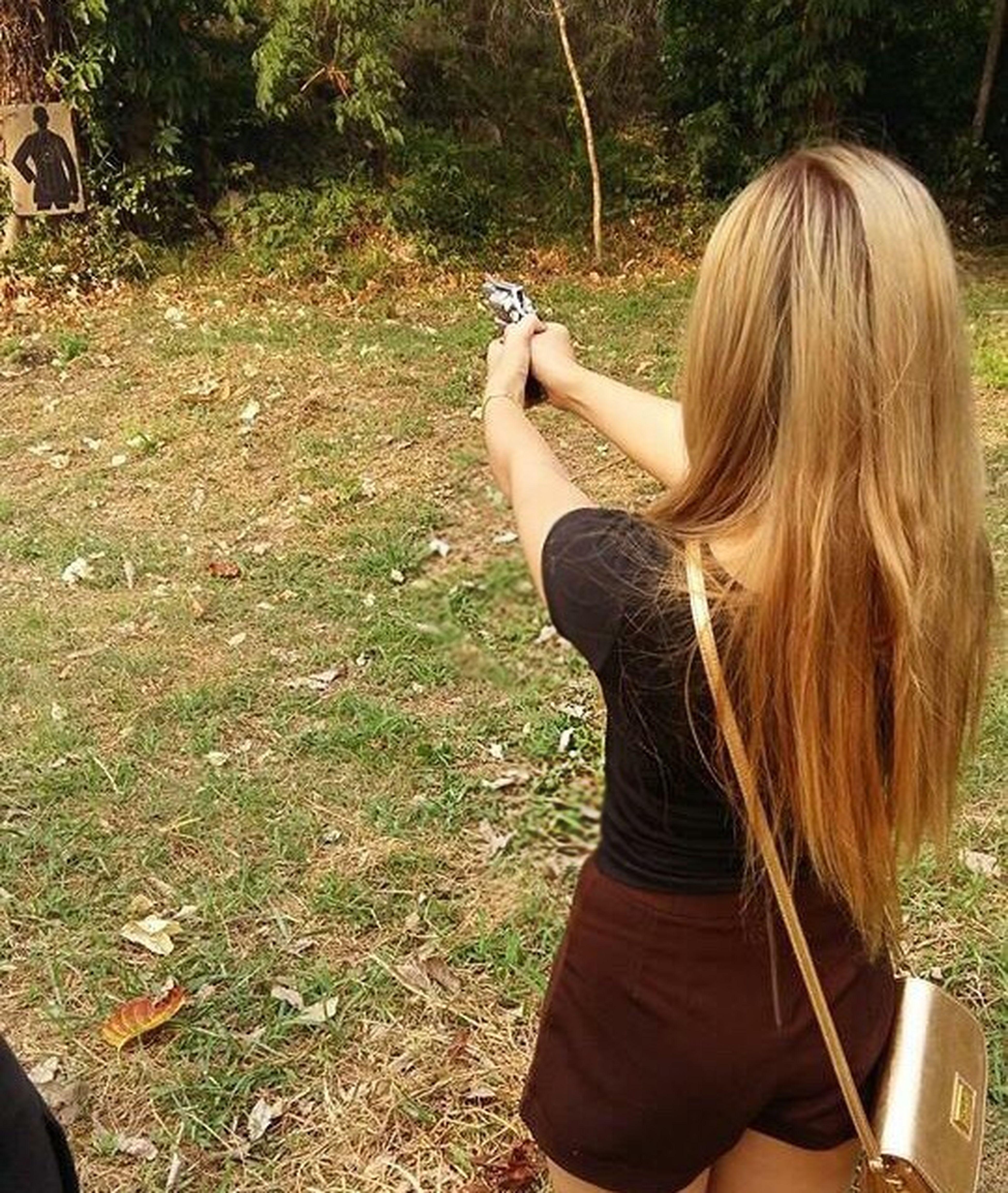🔫 Hello World Good Morning That's Me Thaigirl Enjoying Life Relaxing Love It 38 Smith Smith Gun