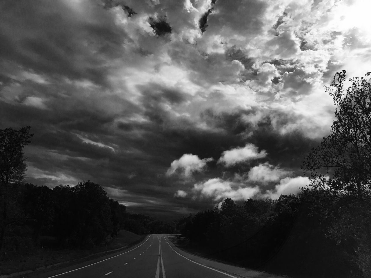 road, the way forward, transportation, tree, cloud - sky, sky, nature, day, tranquility, no people, outdoors, beauty in nature, scenics