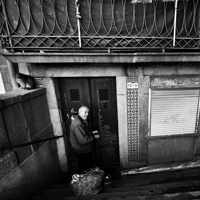 EyeEn Porto B&w Photography Blackandwhite Street Photography Thestreetphotographer Monochrome Blackandwhite Photography Capture The Moment B&w Street Photography Streetphotography EyeEm Porto