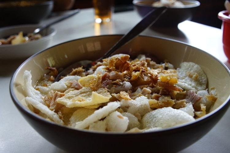 Bubur ayam bunut Sukabumi. chicken porridge... Sukabumi Explore Sukabumi,West Java Culinary Breakfast ♥ Breakfast Breakfast Time Porridge Rice Porridge Ready-to-eat Food Bowl Likeforfollow Like Instagood