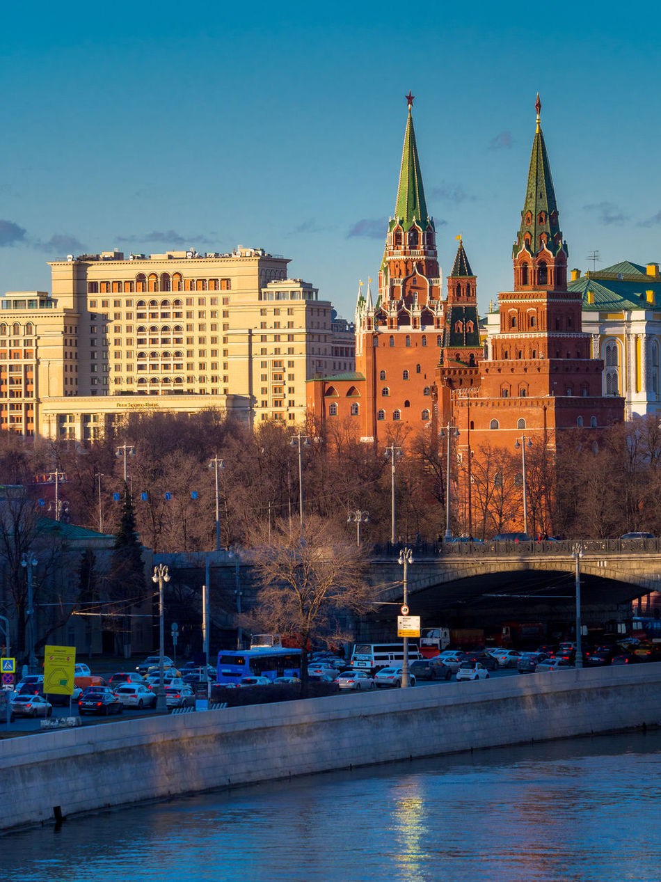 Russia, Moscow, the sunset, the Kremlin, the Moskva hotel Architecture Building Exterior Built Structure City Cityscape Day Moscow Nautical Vessel No People Outdoors River Russia Russian Sky The Kremlin The Moskva Hotel The Sunset The Sunset Sky Transportation Travel Destinations Tree Water