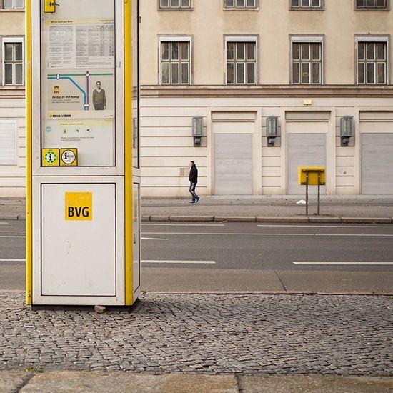 Heute mal ganz aufgeräumt. Bushaltestelle am Kleistpark Potsdamerstraße Schoeneberg Schöneberg