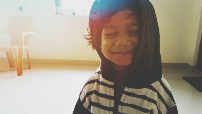 Home Is Where The Art Is Taking Photos Cheese! Mobile Photography Kids Portrait Happy Kiddo :)  Smiles :)