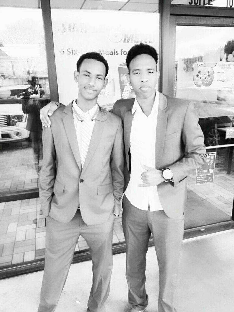 My brother's wedding Teamwork Looking At Camera Smiling Togetherness Colleague Somali EyeEm Black&white! Standing