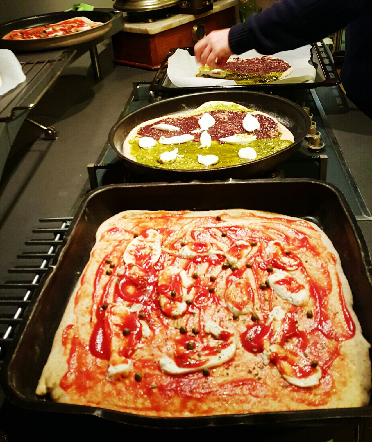 Pizza Pizza Time Coocking Pizzalover Cooking Bakery Italy Italy❤️ Recept Pizza <3 Pizza🍕 Pizzatime Pizza! Olive Oliveoil Learn And Shoot: Balancing Elements Photography In Motion Things I Like Show Us Your Takeaway! Telling Stories Differently