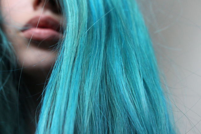 Close-up Young Adult Young Women Nature Person Person Focus On Foreground Beauty Tranquility Beauty In Nature Hair Hairstyle Blue Hair Blue Hair ❤ Blue Blue Hair Don't Care  Blue Hair *o*