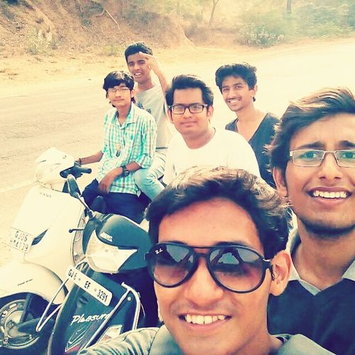 Capture The Moment Hanging Out Happy People Enjoying Life Fun With Photography Fun With Brothers Scooters 😘 Cheese! Selfietime✌️😄😂👌 Hello World