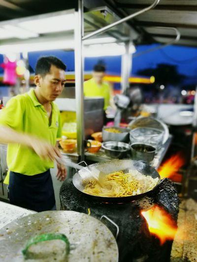 KL style Hokkien Mee aka Fu-kien chow Hokkien Mee Malaysian Food HuaweiP9 Petalingjaya Malaysia Street Food Showcase July