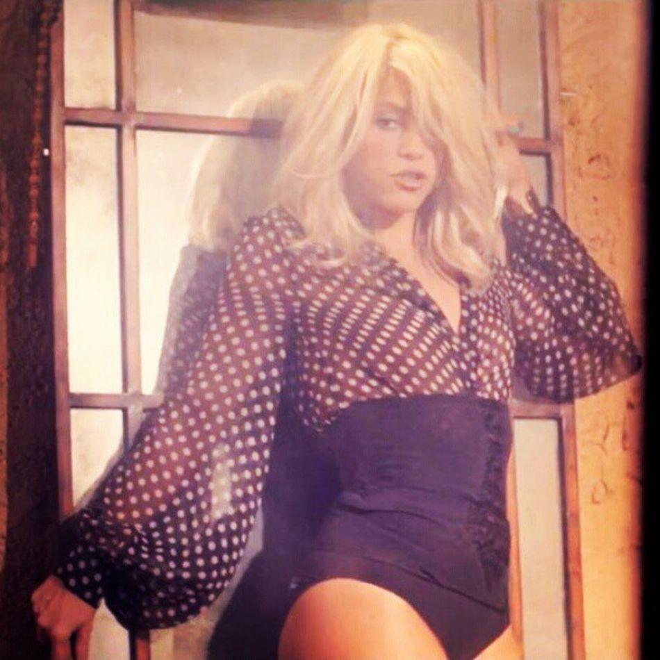 """""""Baby I'm addicted to you quiero que me dejes querer"""" AddictedToYou Shakira Shakirabrasil"""