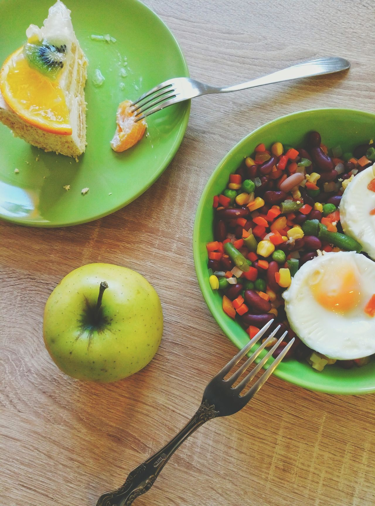 Eat Breaksfast yourself, share Dinner with a friend, give your supper to a foe (that's what a russian Healthy Lifestyle says) Eyeem Photography Eyeem Paid Color Explosion Colour Of Life Close-up EyeEm Food Lovers Food Lover Diet & Fitness Healthy Food Food Porn Details Of My Life English Breakfast Greenery Green