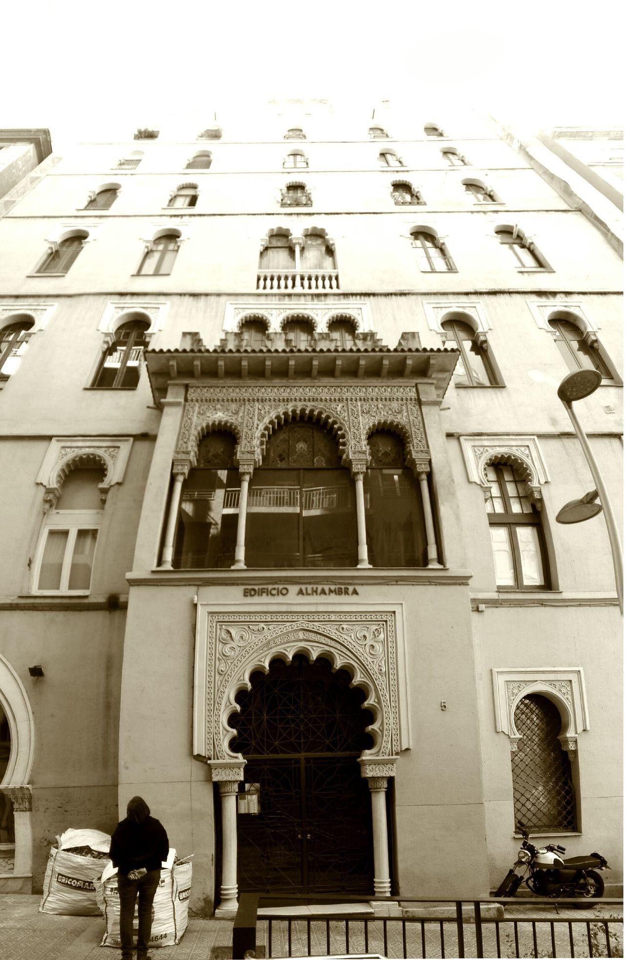 Skyhigh Oriental Architecture Façade Perspective Urban Edificio Alhambra