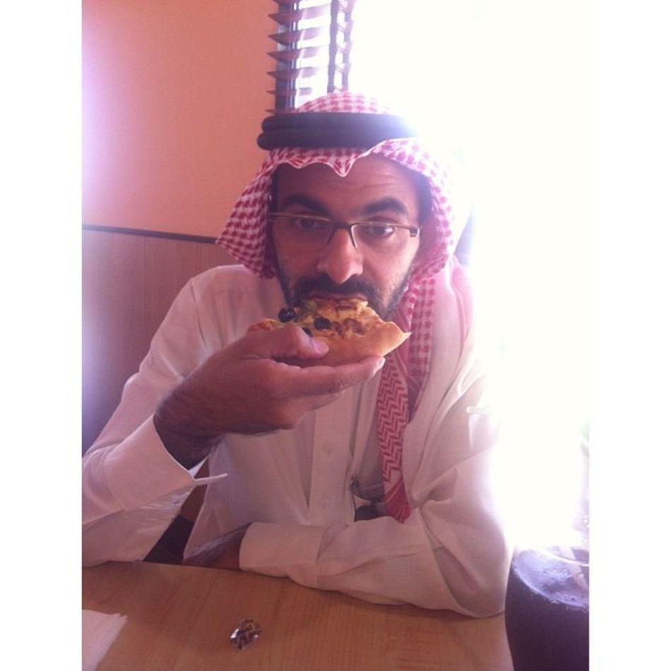 برفقة اخوي عبدالجليل في  بيتزا_هت  صوري  تصويري