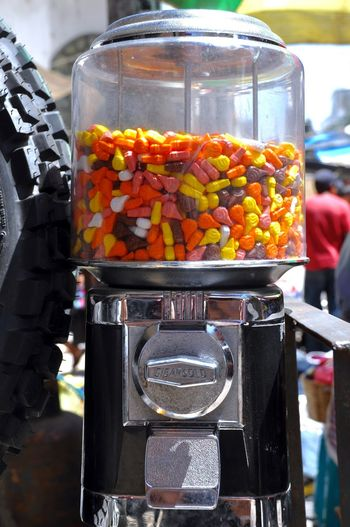 Bubblegum Dispenser Bubblegummachine Candy Candy Dispenser Candys Candyshop Close Up Technology Close-up Dispenser Machine Food And Drink Fruit Gum Gum Dispenser Market Multi Colored Outdoors Popular Photos Kaugummiautomaten Lieblingsteil https://m.youtube.com/watch?v=URp6GAJ4sGk