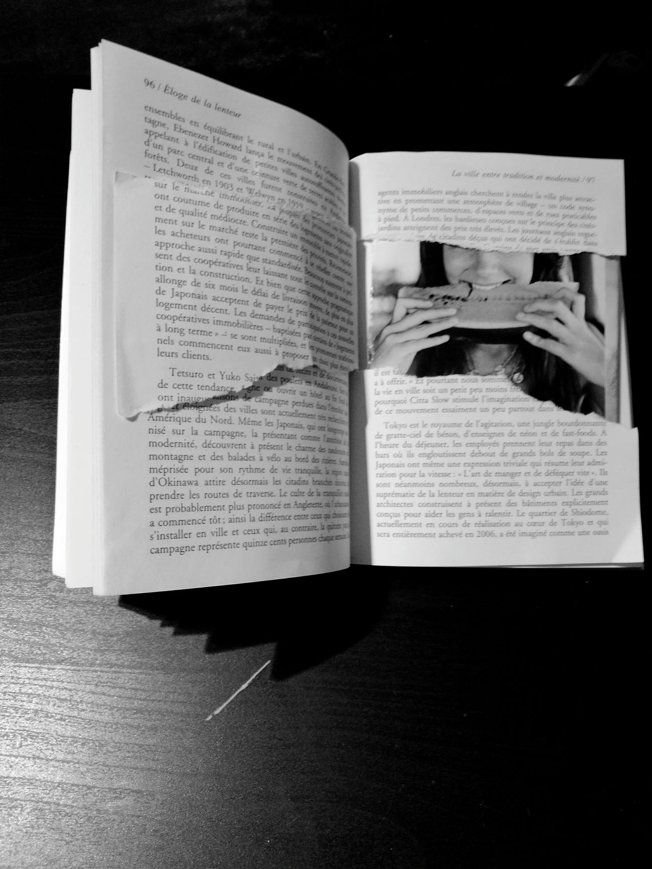 Read Between The Lines Page Paper No People Indoors  Handwriting  Diary Close-up EyeEm Gallery No Filter, No Edit, Just Photography Eye4photography  Torne Pages Paper Magasine Picture Woman Portrait Black And White Monochrome Women Who Inspire You My Point Of View Indoors  Slow Life Slowfood Less Is More