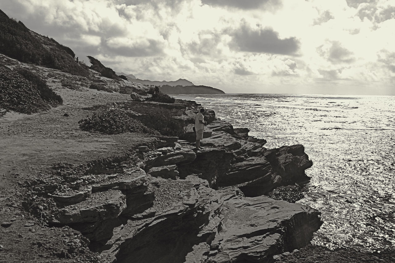 Beach Beauty In Nature Black And White Cloud - Sky Day Horizon Over Water Kauai Hawaii Mountain Nature No People Outdoors Pacific Ocean Rock - Object Rocky Coastline Scenics Sea Sky Tranquil Scene Tranquility Water
