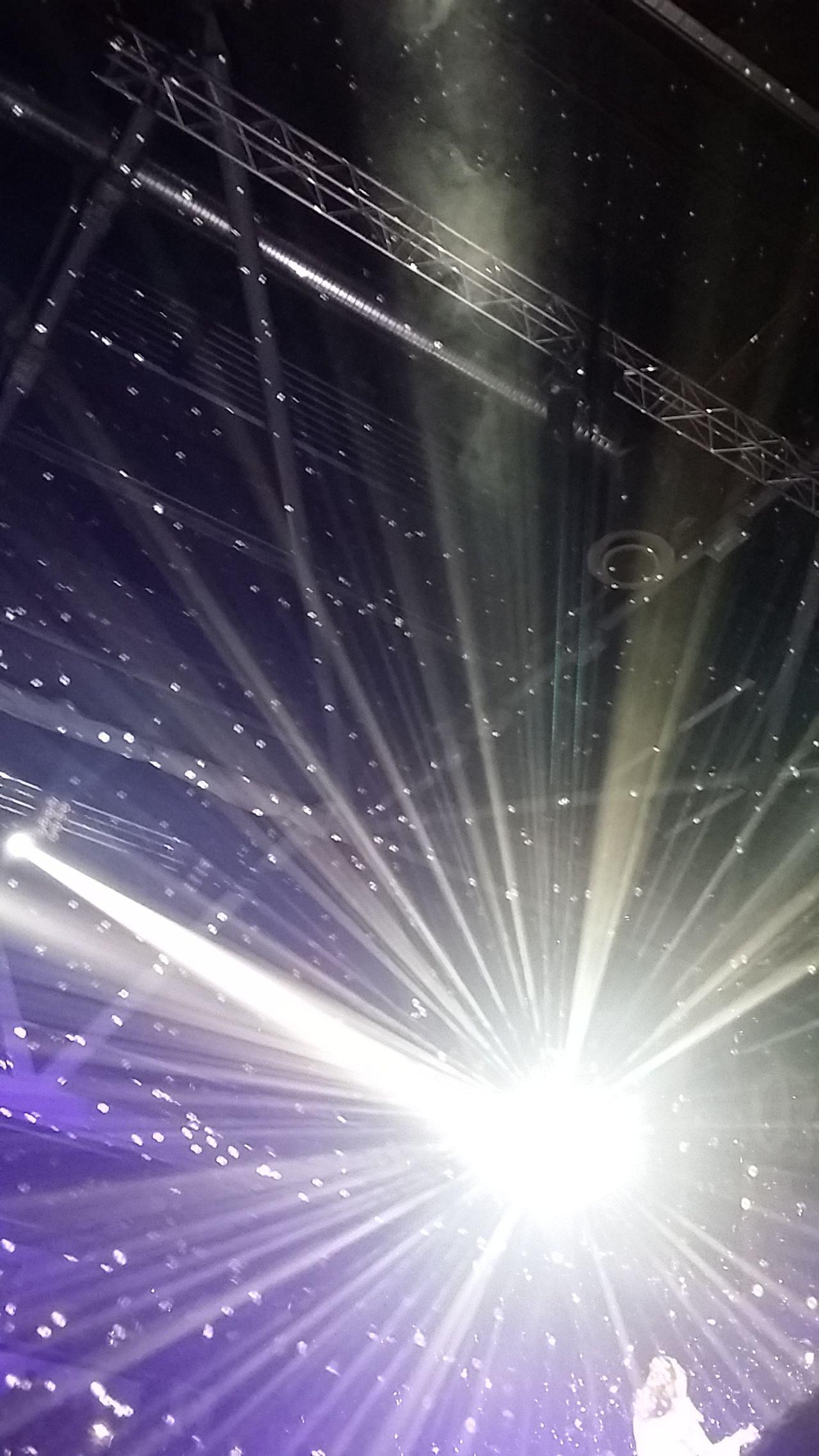 Backgrounds Lights Lighting Equipment Love To Take Photos ❤ Popu!ar Photos Showcase: November In Concert Happy Beliebte Fotos EyeEm Best Shots Open Edit Funny Time  Have Fun EyeEm Moments Of Life Momentaufnahmen Lightshow Lichtspiele Be Happy Reflection_collection Night Lights Konzert 💖 EyeEm Masterclass Wonderful_places Wonderful Moment