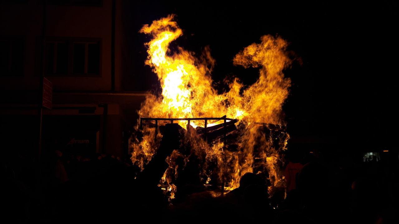Chienbäse 2017 Liestal Traditional Liestal Flame Burning Bonfire Night Chienbäse Swiss Move Awesomenight Winterisover Fire Firedragon
