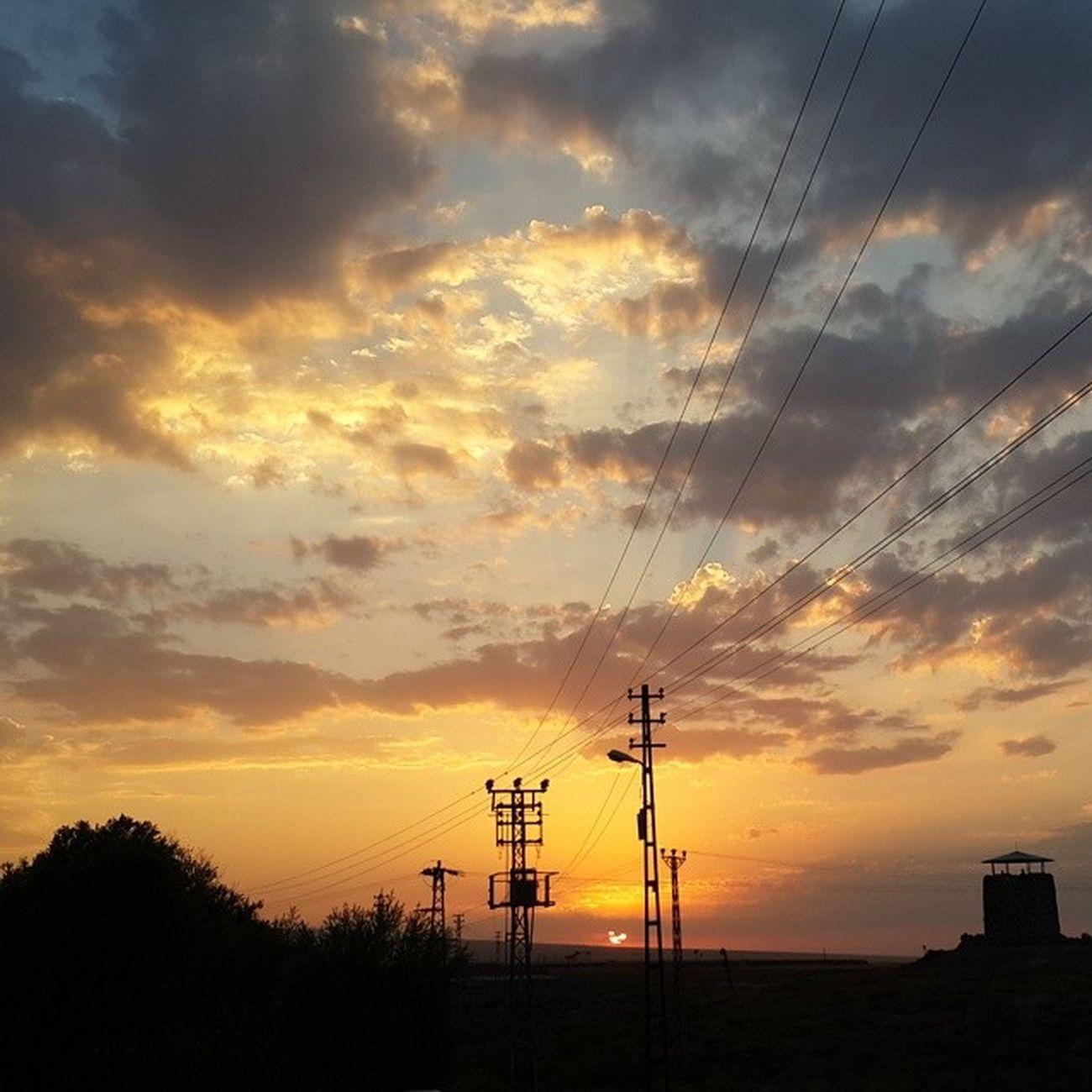 Okanturanphotography Gun Batımı Gunes bulutlar elektrik teli ters ışık son gün