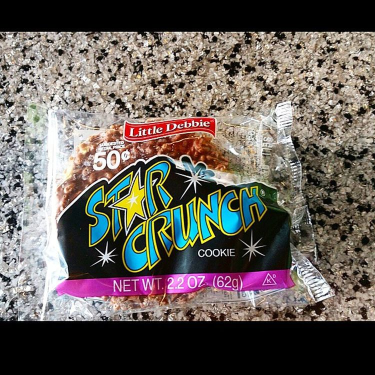 Afternoon snack My childhood memories! Who remembers these! Childhood Snack Fattycakes LittleDebbie starcrunch