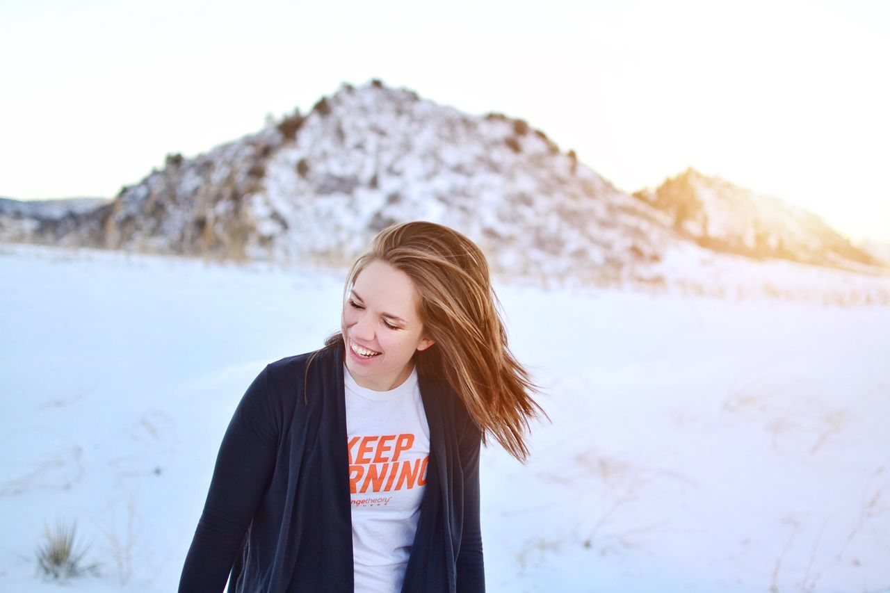 Winter workouts Keep Burning Portrait Happy Smiles Sunset Fitness Fitgirl Healthy Healthy Lifestyle Colorado Outdoors Working Out Orange Theory Orange Fitnessmodel