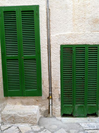 Green Color Built Structure Building Exterior Outdoors Textured  Pattern No People Day Architecture Letstravel Backgrounds Polignano A Mare Travel Destinations Italia Look Around  Door Green Doors Passing By