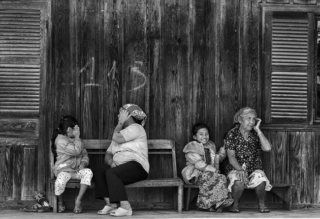 ... People Females Togetherness Horizontal Streetphotography Monochrome Black And White Street Life Monochrome _ Collection Blackandwhite Photography Black And White Photography Captured The Moment EyeEm Best Shots EyeEm Best Shots - Black + White Street Photography Blanco Y Negro Captured Moment Humaninterest Street Portrait Human Face Blancoynegro Humaninterestphotography EyeEm Best Shots - People + Portrait Capture The Moment Blackandwhite