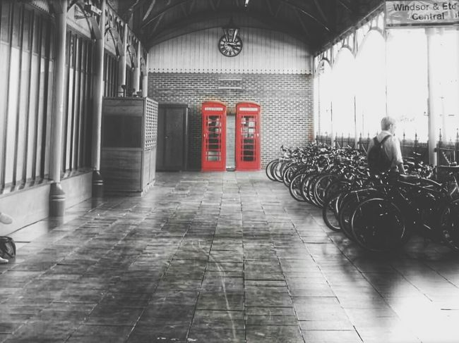Windsor Station - memories of a lovely trip. Blackandwhite Splash Colorsplash EyeEm Best Shots AMPt_community Tadaa Community NEM Submissions Streamzoofamily VSCO Architecture_collection Weekend Activities Train Station