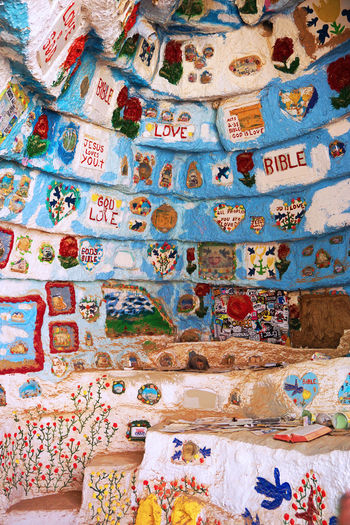 2016 America California Colorful Colors Cute Desert GOOD IS LOVE Hand Made Mountain Painting Salvation Mountain Travel アメリカ サルベーションマウンテン Room Picture