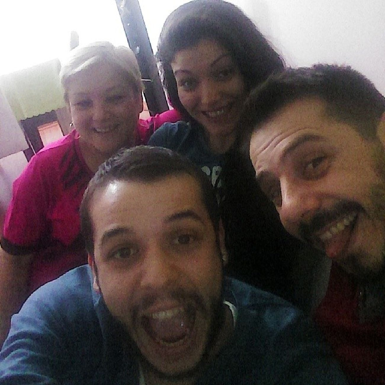 Family Selfie Mother Yenge brother cirkiniz ama modabu selfie photo absolut etkileri :)