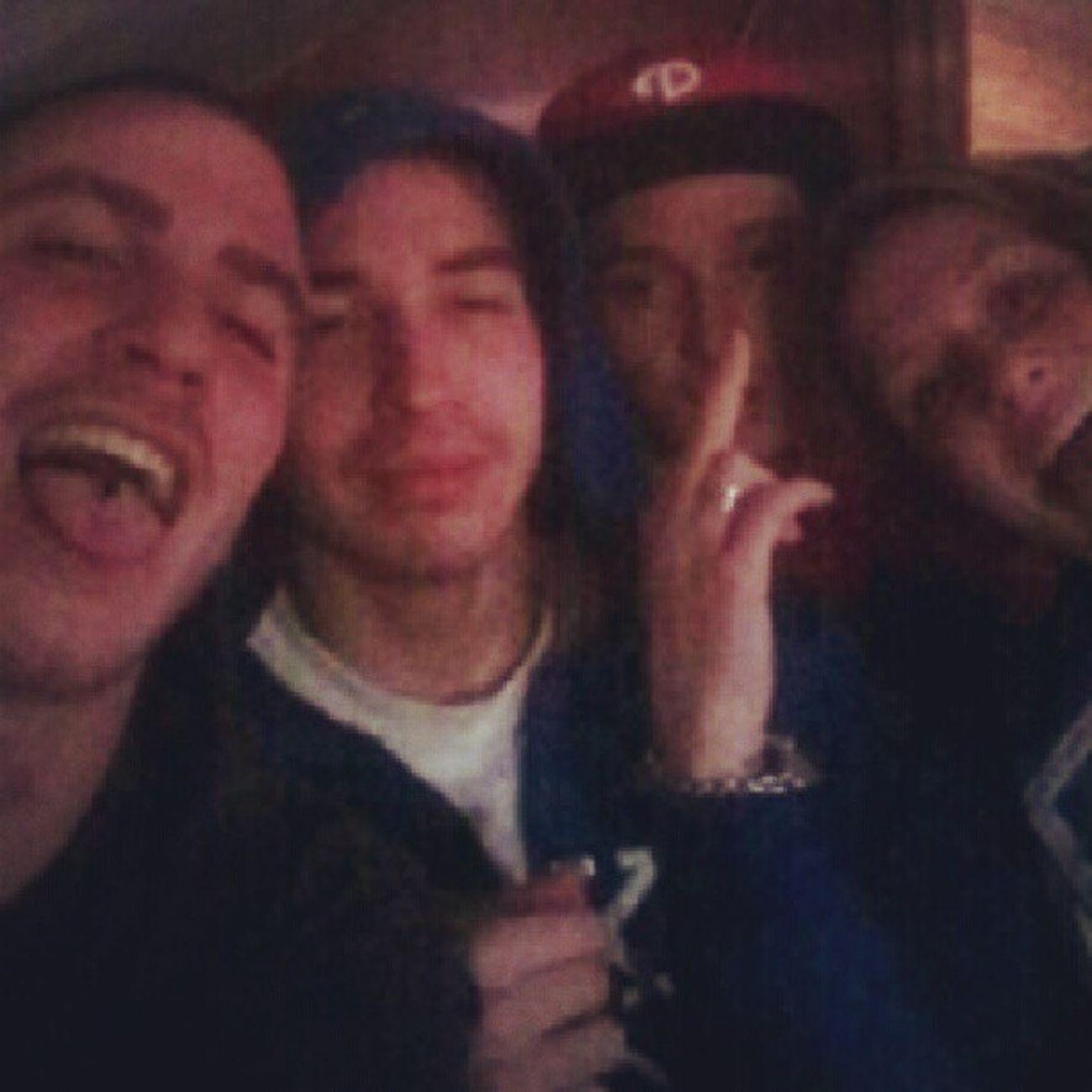 Old crew reunites! Yupyup me dom curly and Phil wadduuuuupp @datniggawitdatr32 Yeabuddy Wheresniggad
