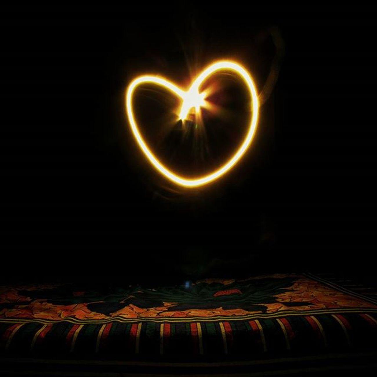 || H E A R T || Heart Lightpainting LghtArt Slowshutter Camera Canon Timepass Playing Ig_calcutta Lights Diwali Kalipuja DiwaliwithLP Lonelyplanetindia LPIndia _cic Kolkata_igers Kolkata House