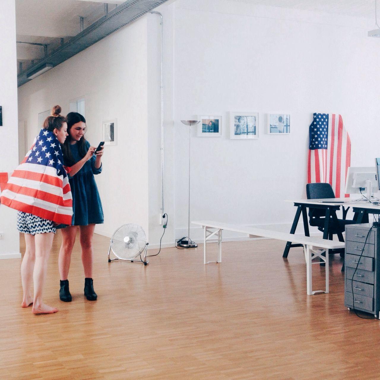 Beautiful stock photos of mobile, American Culture, American Flag, Berlin, Caucasian Ethnicity