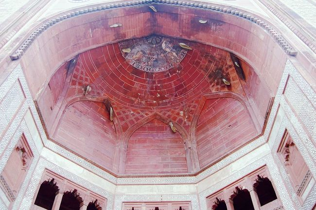 .. Bulanddarwaza.. Red Sandstone Buland Darwaja BeehiveArchitecture Fatehpursikri History Mughal Architecture Mughalarchitecture India Showcase March How Do We Build The World?