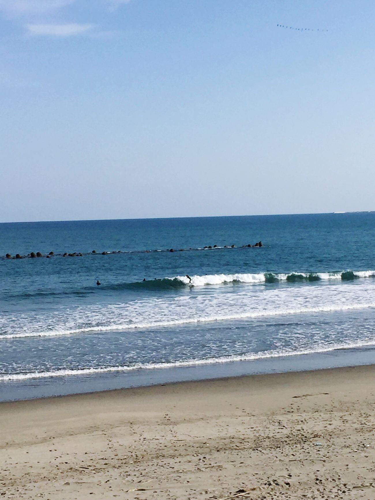 今日の波乗り😁✨☀️☀️☀️✨ Sea 波乗り サーフィン 青空の下 Fun Times 空を見上げる 自然に感謝 Water Beach Clear Sky Beauty In Nature Scenics Nature Outdoors Sky Wave Tranquility No People Sand Day