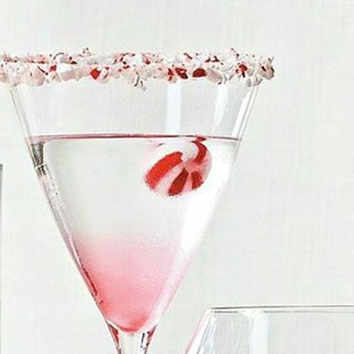 Candy Cane Martini Equal parts: Creme DE Caco, White Peppermint Snapps, Vodka Martini Martinique ChristmasDrink Christmasmartinis Drinks