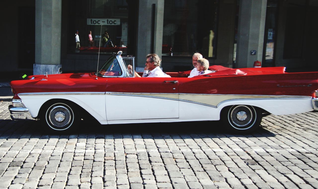 Red Transportation Sitting Car Luxury Outdoors People Oldtimer Cars CarShow Red Car American Cars Americancars American Vintage Car American Vintage AmericanCar Classic Car