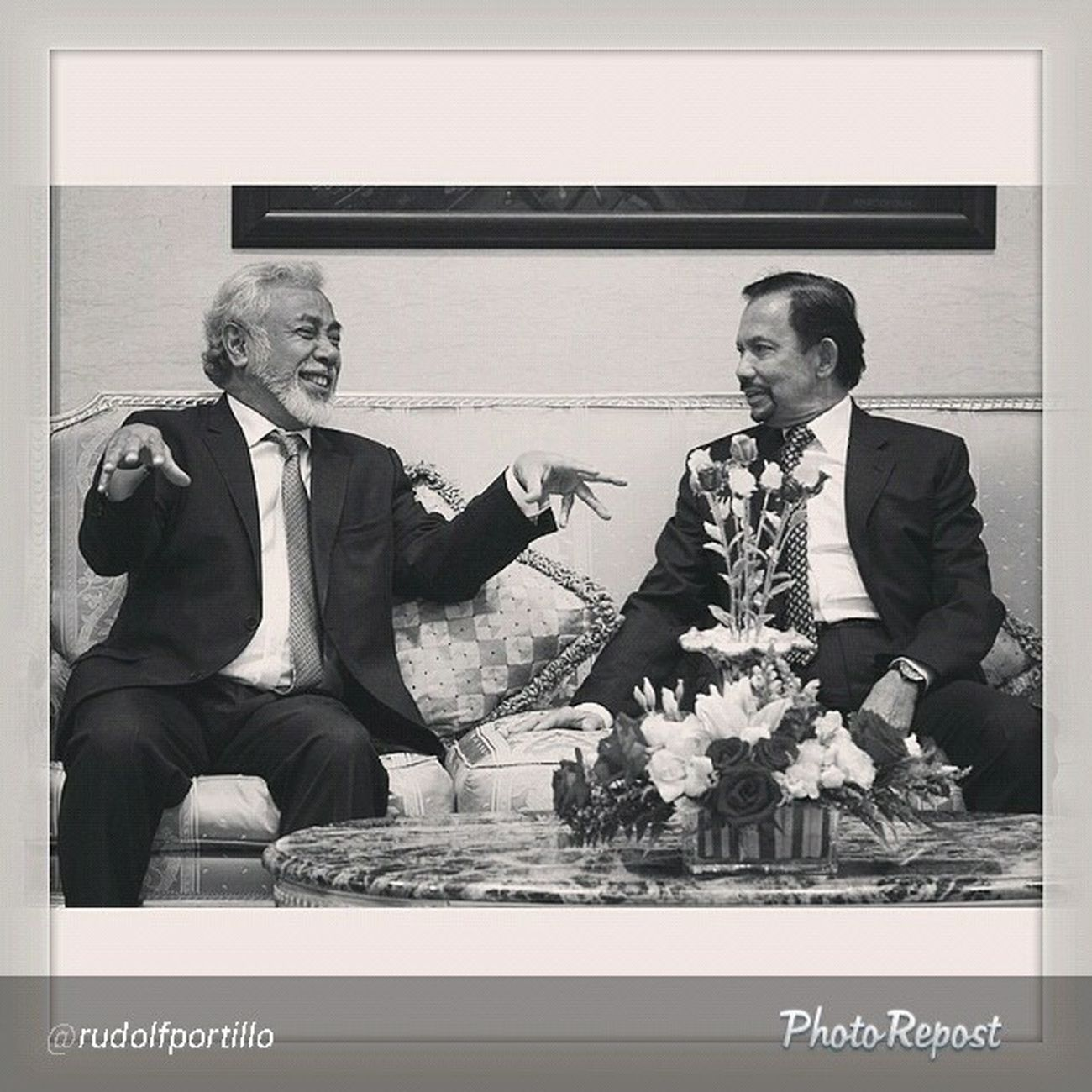 "Superb photography as usual By @rudolfportillo ""Instasize @thebruneitimes XananaGusmao TIMORLESTE Prime Minister gestures during the meeting with Hismajesty Sultan Haji Hassanal Bolkiah at IstanaNuruliman brunei"" via @PhotoRepost_app DecisiveMoment"