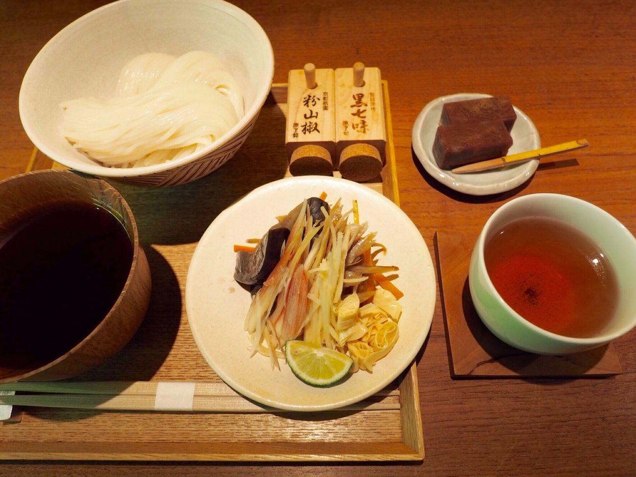 Kyoto Japan Gion Niti Cafe Noodle Japanese Food Wagashi Vegitables Tea Lunch Delicious Goodtaste Olympus PEN-F 京都 日本 祇園 カフェ そうめん 野菜 和菓子 ほうじ茶 美味