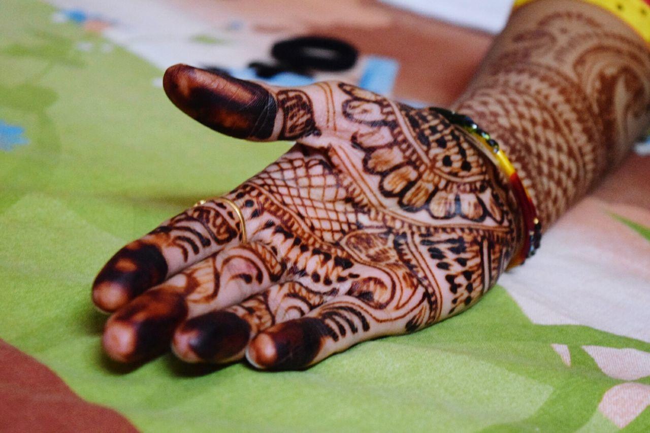 Home Is Where The Art Is Festive Season Art ArtWork Hand Mehendi Mehendi Art Mehendi_design Festival Season Karwachauth Eyeemphoto