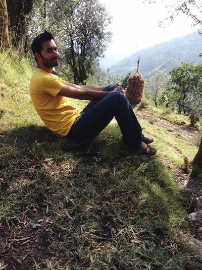 Me Khasmir Mountains Greeny  Nature Smile Beauty Viewing Beaitiful Wonderfulplace JANNAT Miniswitzerland Mytrip Myland  💙⛰📸