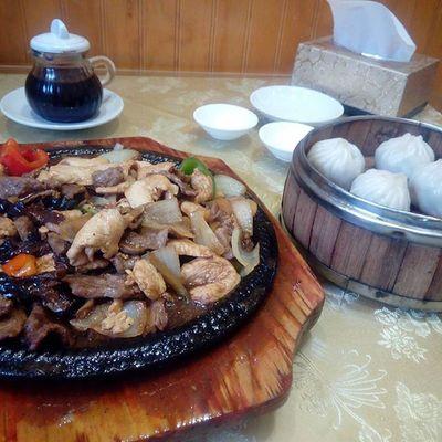 Rico almuerzo de ayer!!! Quedamos echo bolitas XD Comidachina ,Parrillada ,Chinochileno , Lawearica ,Quedecomobola ,