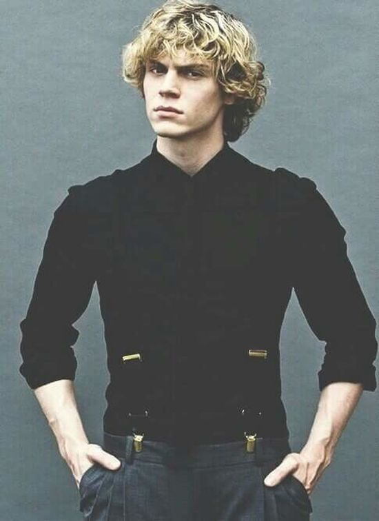 Evanpeters Americanhorrorstory MyLove❤ BeautifulPerfect People Faces Of EyeEm Black Iwanthim Perfection