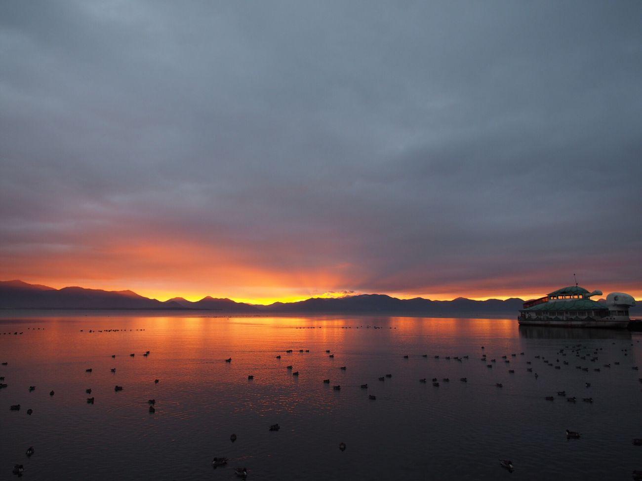2016.12.05 #猪苗代湖 #夜明け やっぱりピントが甘い。目が悪いからかな? 何度も撮りに行ってるのに… 悔しい。