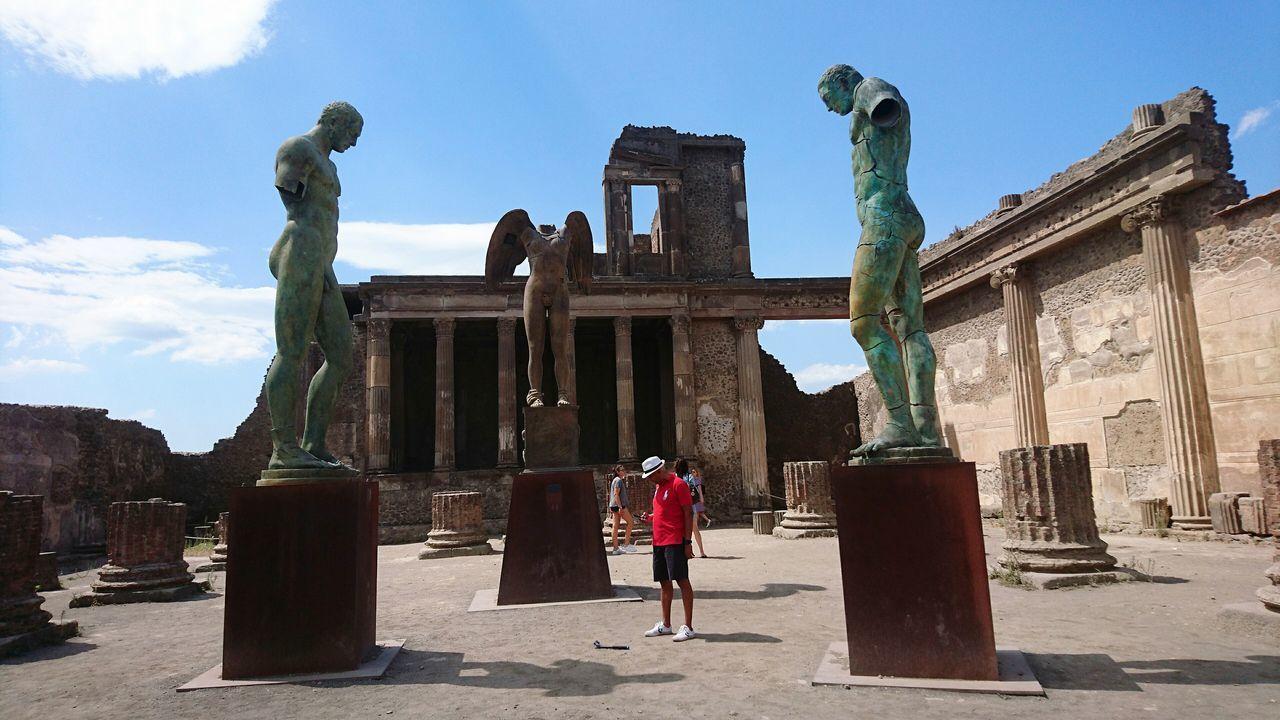 Scultura in Pompei.... Scultura Sculpture Sculptureporn Pompei. Archeologia Archeology Temple Antique Antiquity