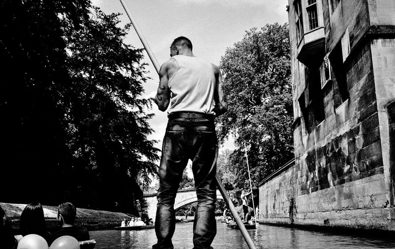 Punting On The River Cambridgeshire Everybodystreet