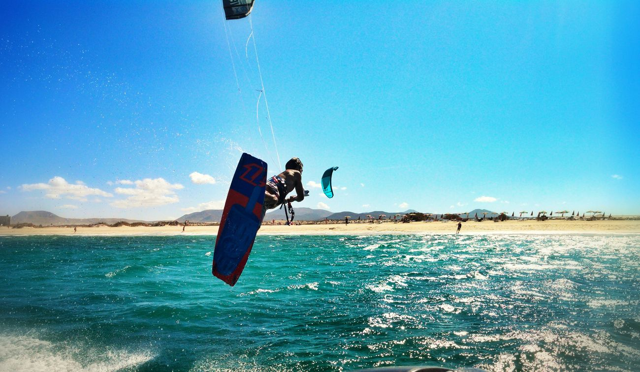 Kitesurfing @ Flag Beach
