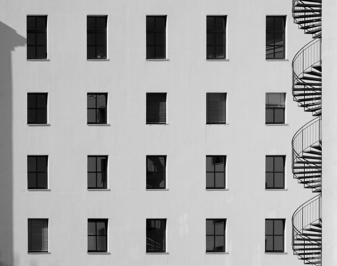 Shadowplayfacade Architecture Architecture_collection Backgrounds Black And White Black&white Blackandwhite Photography Building Built Structure City Cityexplorer Façade In A Row Light And Shadow Minimal Minimalism Minimalist Minimalistic Minimalobsession Monochrome Repetition Shadows & Lights Side By Side Fine Art Photography The Architect - 2016 EyeEm Awards Urban Geometry Minimalist Architecture