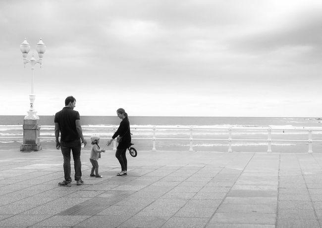 Mi Serie Gijón Blackandwhite Monochrome Minimalobsession Mi Serie Minimal Streetphoto_bw